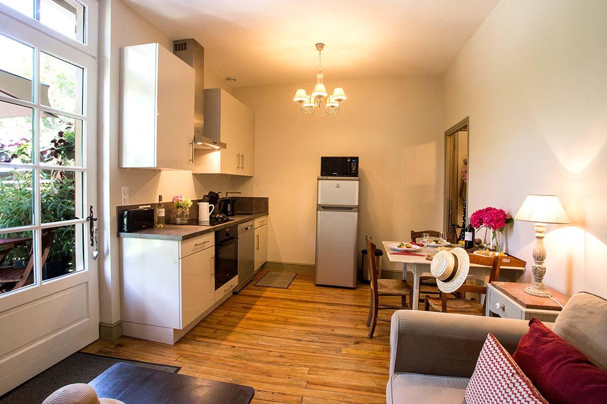 Appartement Le crepuscule-Les Hauts de Condom-Les Bruhasses-Maison hotes de charme-Condom-Gers-3