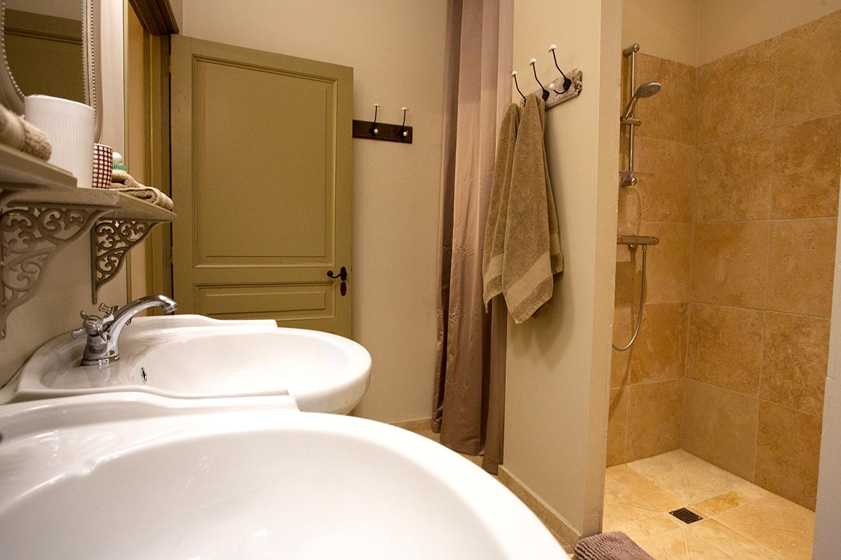 Appartement Le crepuscule-Les Hauts de Condom-Les Bruhasses-Maison hotes de charme-Condom-Gers-8