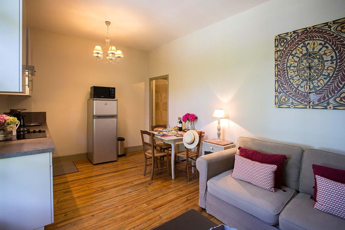 Appartement Le crepuscule-Les Hauts de Condom-Les Bruhasses-Maison hotes de charme-Condom-Gers-2